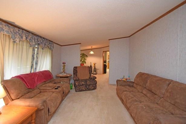 Single Family Residence, Ranch - Milan, IN (photo 2)