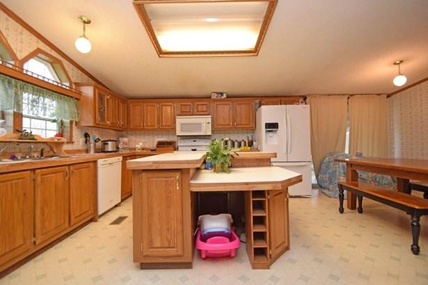 Single Family Residence, Ranch - Milan, IN (photo 4)