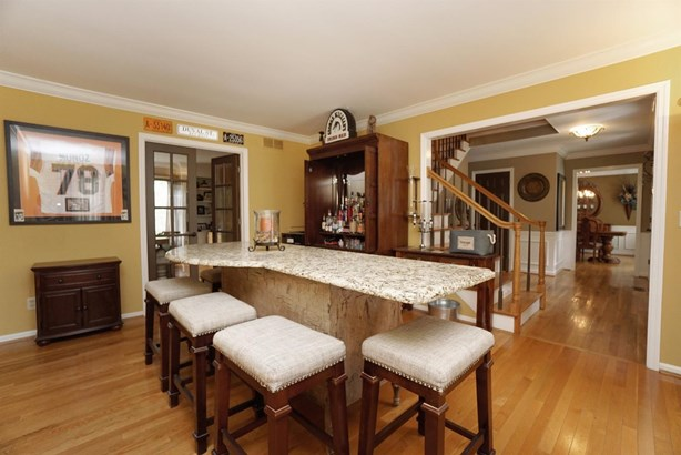 Transitional, Single Family Residence - Reading, OH (photo 4)