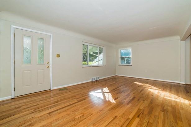 Cape Cod, Single Family Residence - Reading, OH (photo 3)