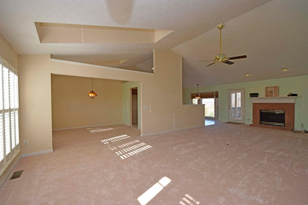 Single Family Residence, Ranch - Cleves, OH (photo 4)