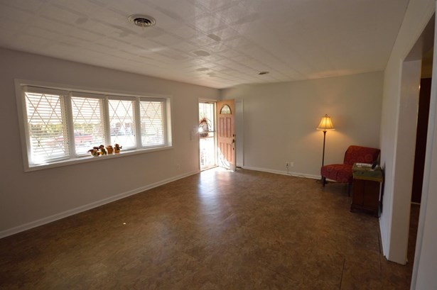Single Family Residence, Ranch - Green Twp, OH (photo 2)