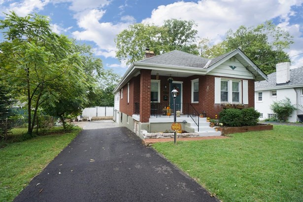 Single Family Residence, Traditional - Deer Park, OH (photo 1)