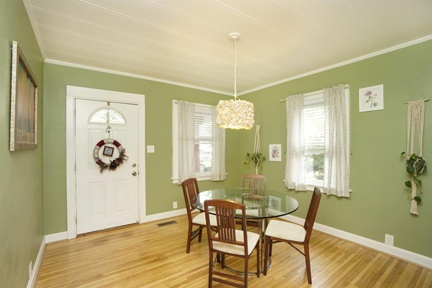 Single Family Residence, Traditional - Deer Park, OH (photo 4)