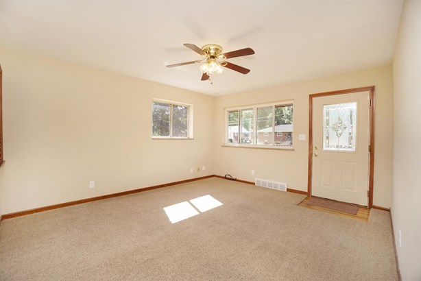 Single Family Residence, Traditional,Ranch - Milford, OH (photo 5)