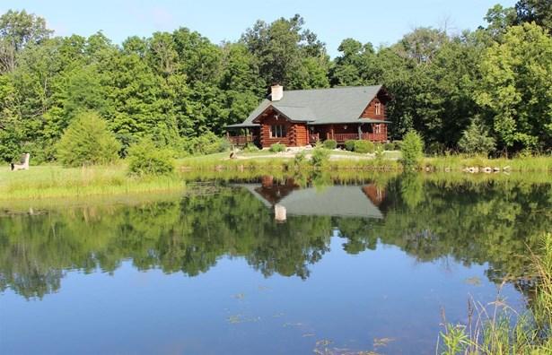 Single Family Residence, Log - Harlan Twp, OH (photo 1)