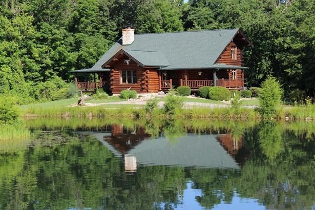 Single Family Residence, Log - Harlan Twp, OH (photo 2)