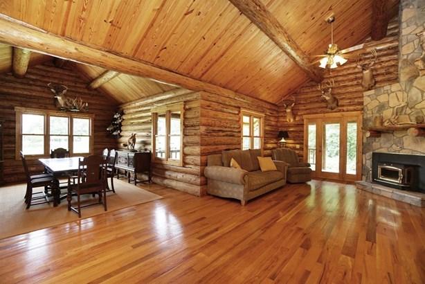 Single Family Residence, Log - Harlan Twp, OH (photo 4)