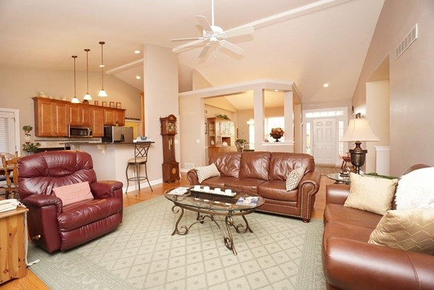 Single Family Residence, Ranch,Transitional - Fairfield Twp, OH (photo 2)