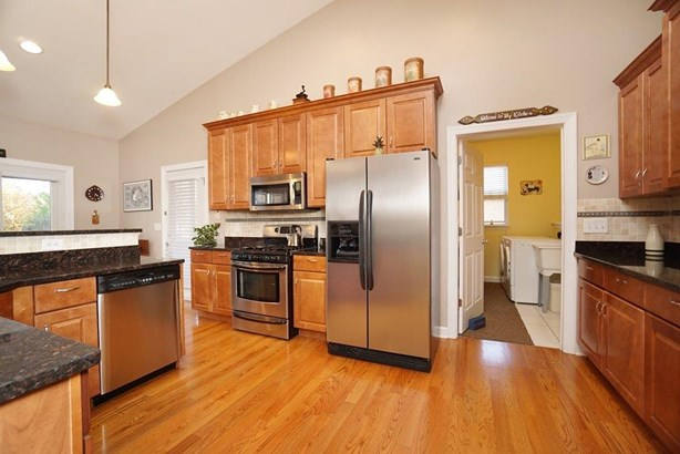 Single Family Residence, Ranch,Transitional - Fairfield Twp, OH (photo 5)