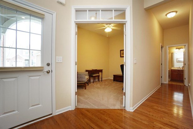Condominium, Traditional - Loveland, OH (photo 3)