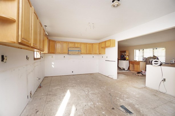 Single Family Residence, Ranch - Tate Twp, OH (photo 4)