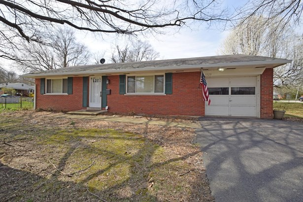 Single Family Residence, Ranch - Newtown, OH (photo 1)