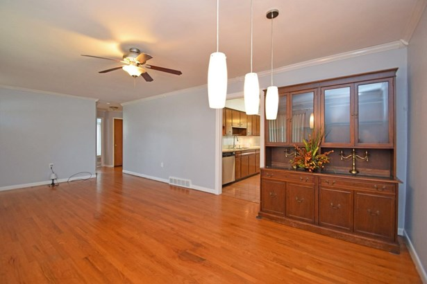 Single Family Residence, Ranch - Newtown, OH (photo 4)