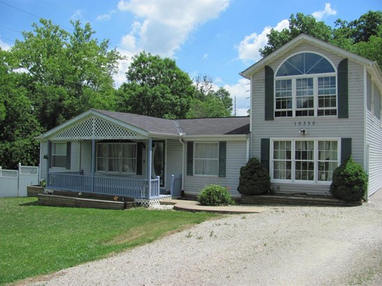 Single Family Residence, Traditional - Eagle Twp, OH (photo 2)