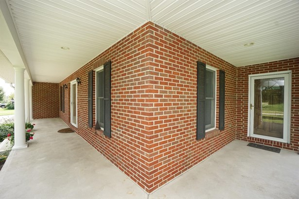Single Family Residence, Traditional - Union Twp, OH (photo 4)