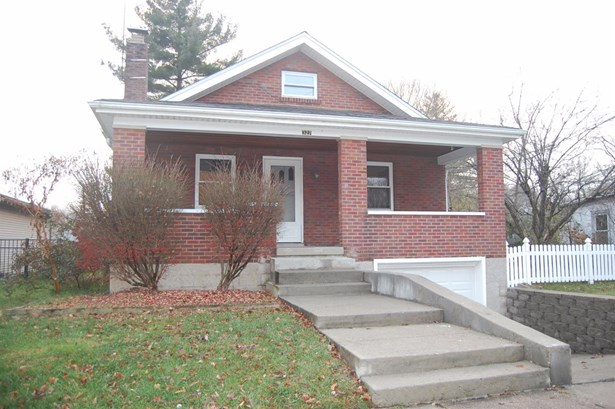 Cape Cod, Single Family Residence - Williamsburg, OH
