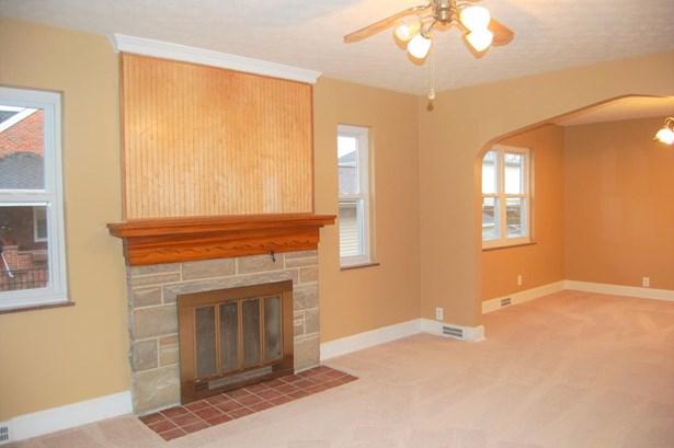 Cape Cod, Single Family Residence - Williamsburg, OH (photo 5)