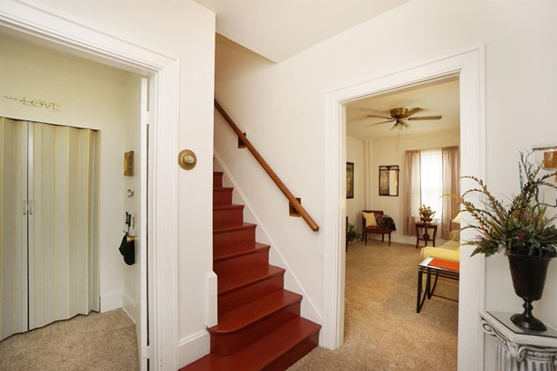 Single Family Residence, Traditional - Elmwood Place, OH (photo 3)