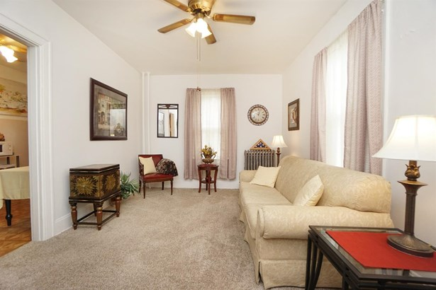 Single Family Residence, Traditional - Elmwood Place, OH (photo 4)