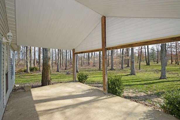 Single Family Residence, Ranch - Franklin Twp, OH (photo 2)