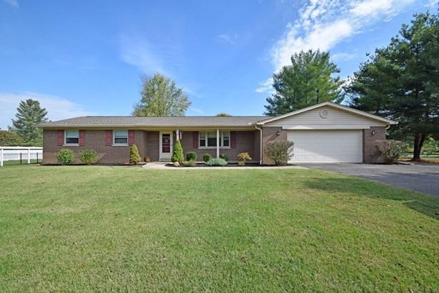 Single Family Residence, Ranch - Goshen Twp, OH (photo 1)