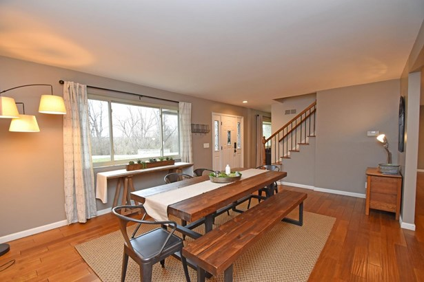 Single Family Residence, Traditional - Amberley, OH (photo 5)