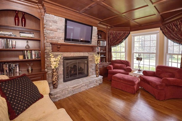 Single Family Residence, Traditional - Madeira, OH (photo 3)