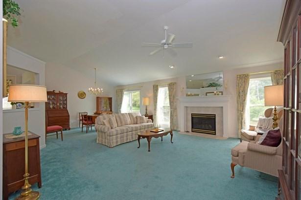 Single Family Residence, Ranch - Sharonville, OH (photo 4)