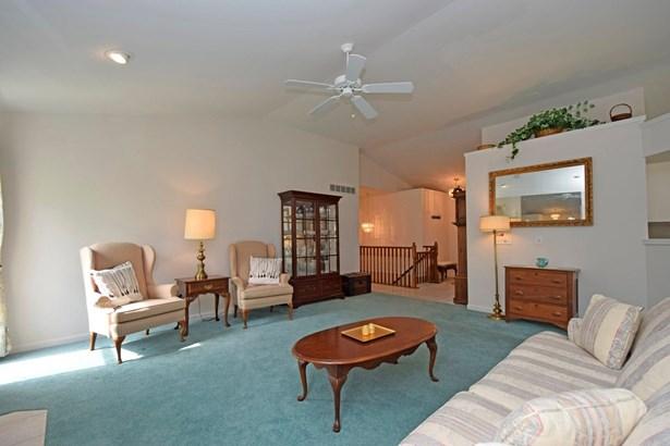 Single Family Residence, Ranch - Sharonville, OH (photo 5)