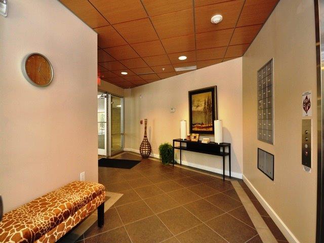 Condominium, Contemporary - Cincinnati, OH (photo 3)