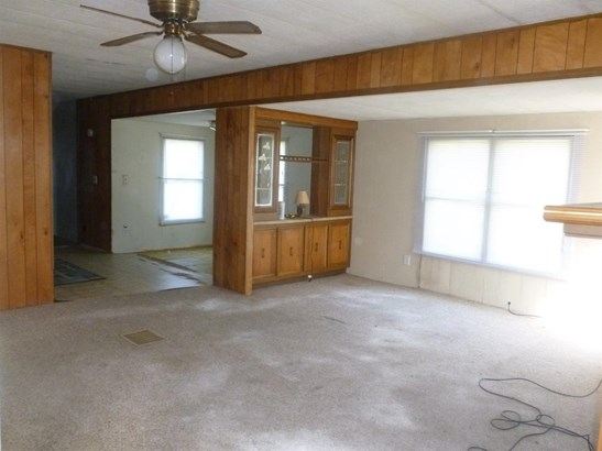 Single Family Residence, Ranch - Wayne Twp, OH (photo 3)
