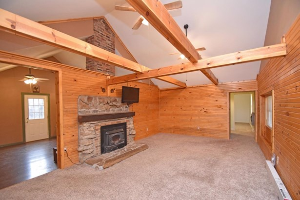 Single Family Residence, Cabin/Rustic,Transitional - Williamsburg Twp, OH (photo 3)