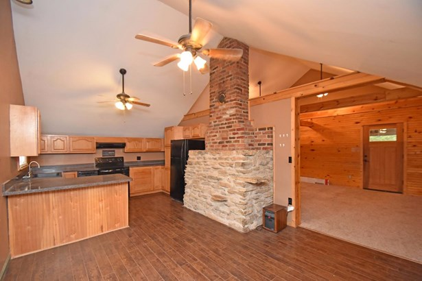 Single Family Residence, Cabin/Rustic,Transitional - Williamsburg Twp, OH (photo 5)