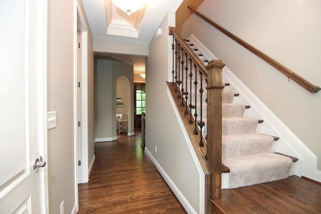 Transitional, Single Family Residence - Cincinnati, OH (photo 2)