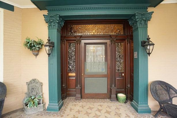Single Family Residence, Historic,Colonial - Hamilton, OH (photo 2)