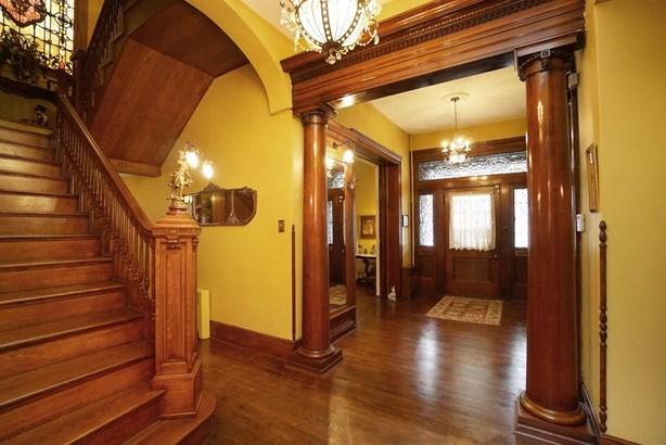 Single Family Residence, Historic,Colonial - Hamilton, OH (photo 5)