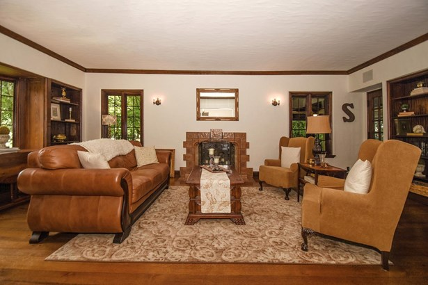 Single Family Residence, Traditional,Tudor - Terrace Park, OH (photo 4)