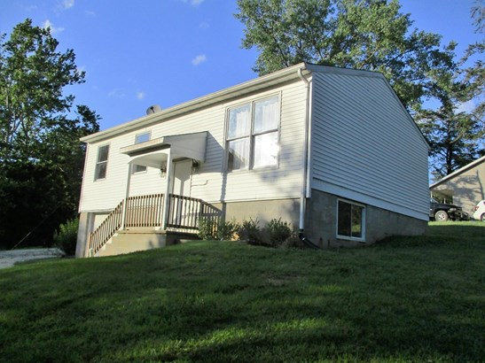 Single Family Residence, Traditional - Paint Twp, OH (photo 2)
