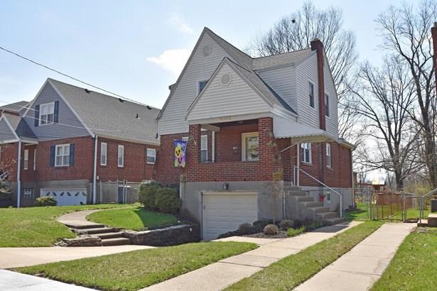 Tudor, Single Family Residence - Cheviot, OH (photo 2)