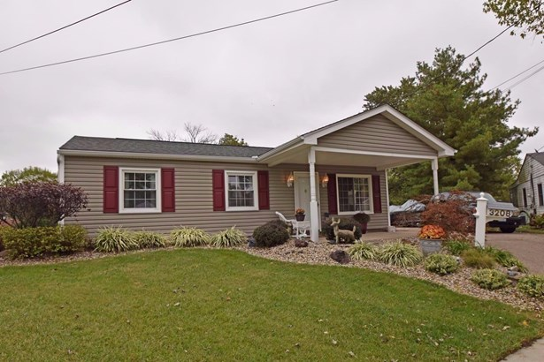Single Family Residence, Traditional,Ranch - Colerain Twp, OH (photo 1)