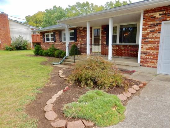 Single Family Residence, Ranch - Trenton, OH (photo 2)