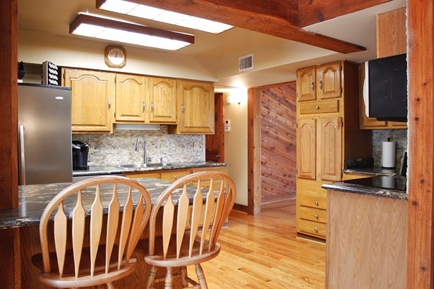 Transitional, Single Family Residence - Goshen Twp, OH (photo 3)