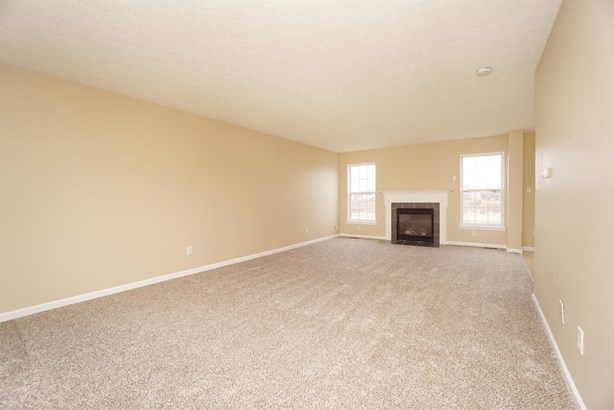 Single Family Residence, Colonial - Franklin Twp, OH (photo 3)