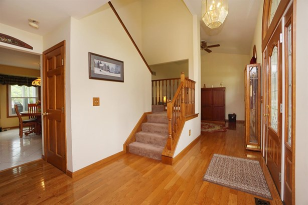 Single Family Residence, Traditional - Springfield Twp., OH (photo 3)