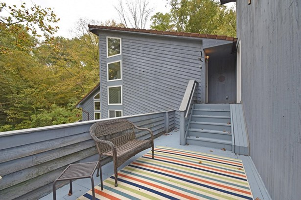 Single Family Residence, Contemporary/Modern - Anderson Twp, OH (photo 2)