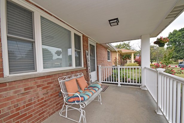 Single Family Residence, Ranch - Green Twp, OH (photo 3)