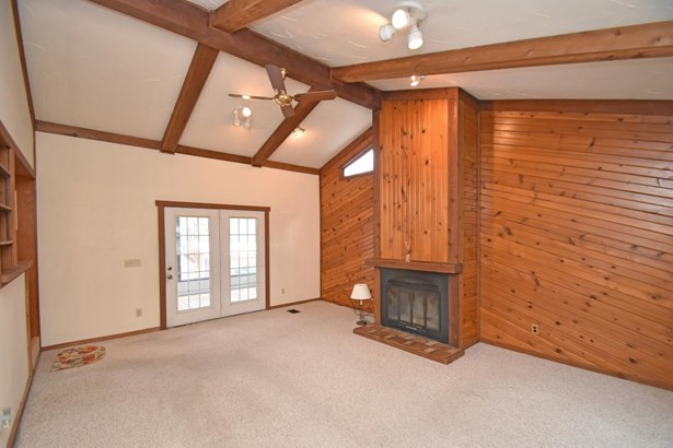 Single Family Residence, Ranch - Crosby Twp, OH (photo 3)
