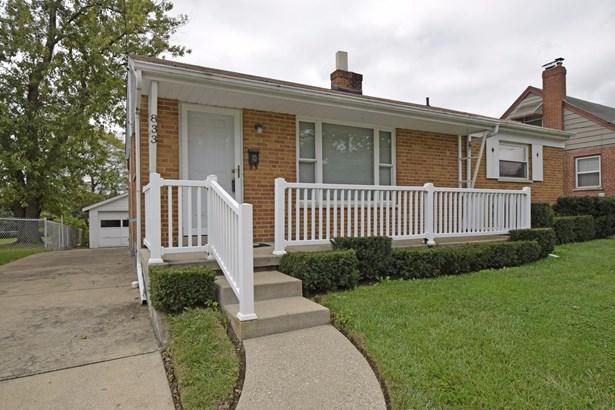 Single Family Residence, Ranch - Reading, OH (photo 2)
