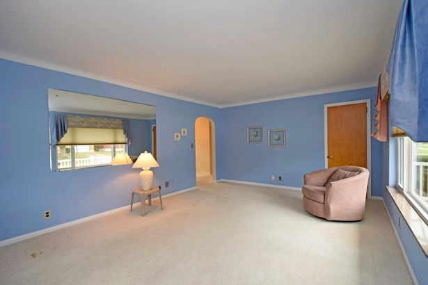 Single Family Residence, Ranch - Reading, OH (photo 4)
